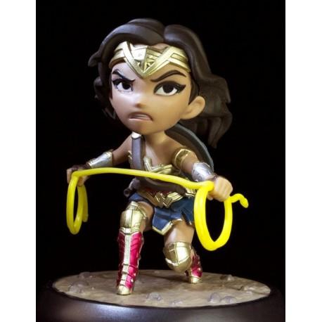 Figura Wonder Woman Q-Fig La Liga de la Justicia