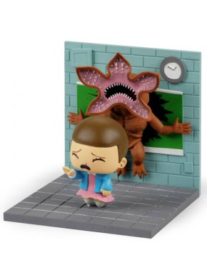Figura Diorama Eleven vs Demogorgon Stranger Things 13 x 14 cm