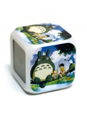 Despertador Totoro con luz de colores