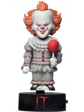 Figura Pennywise It Body Knocker NECA 16 cm