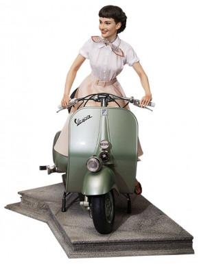 Figura Audrey Hepburn en Vespa Vacaciones en Roma 44 cm