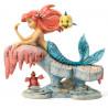 Figura decorativa La Sirenita Ariel en la roca