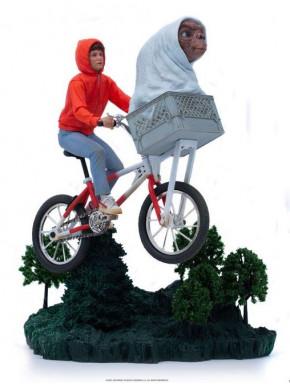 E.T. El Extraterrestre Estatua 1/10 Art Scale E.T. & Elliot 24 cm